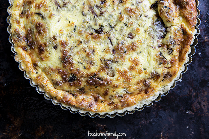 Caramelized-Shallot-Gruyere-Rosemary-Quiche-Crust-top